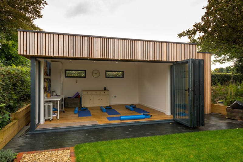 high-spec-yoga-studio-in-the-garden-6