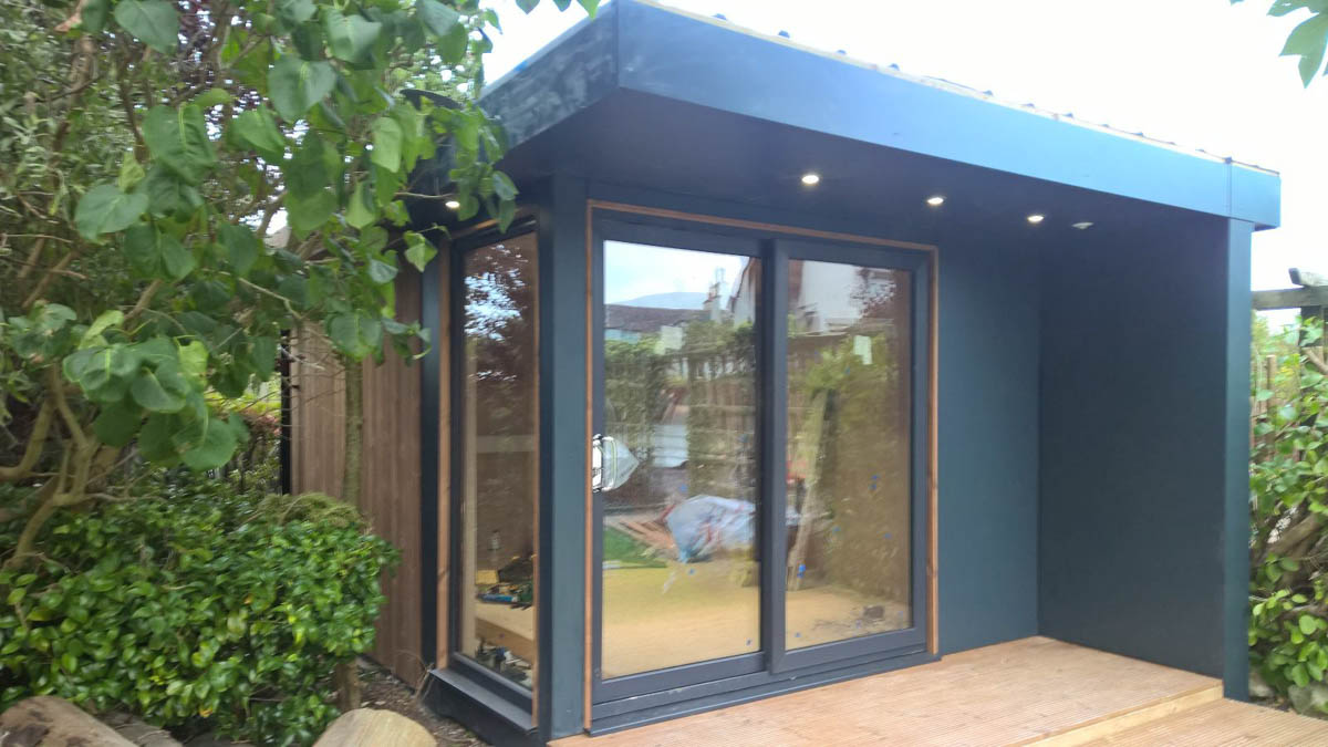 Modern Bridge Garden Room