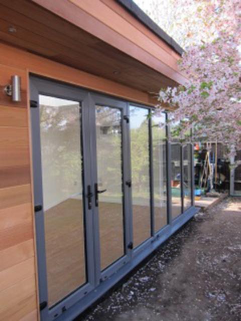 Executive-Garden-Room2