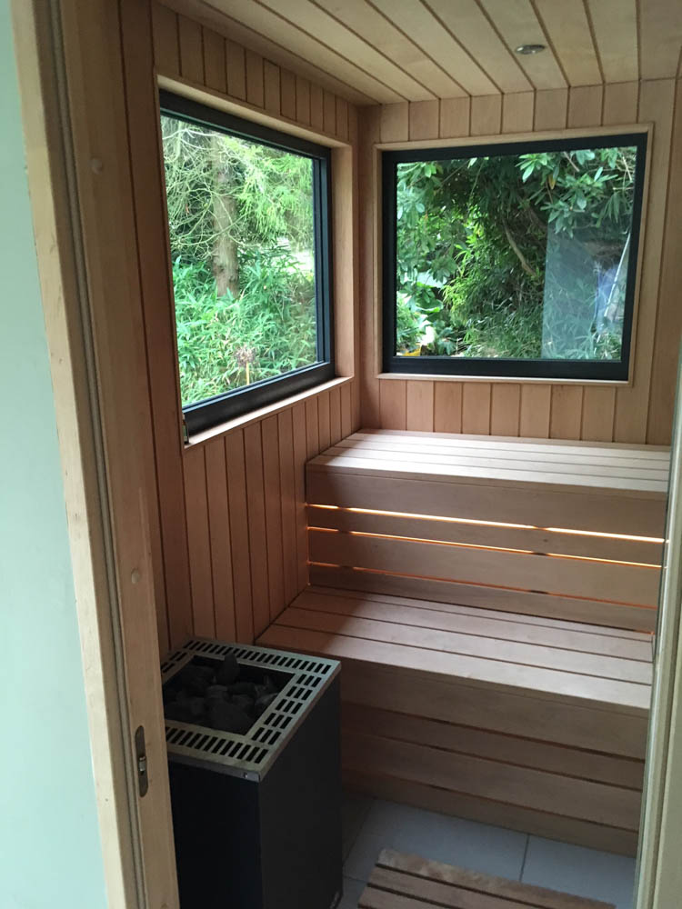 Bespoke sauna in the garden