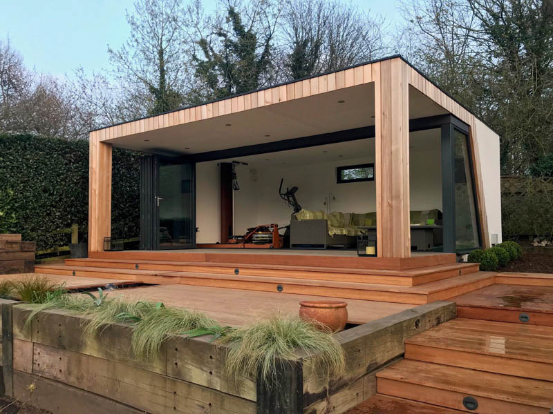 With its large veranda this is the perfect indoor outdoor garden room