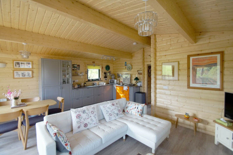 Living the dream in a Norwegian Log annexe