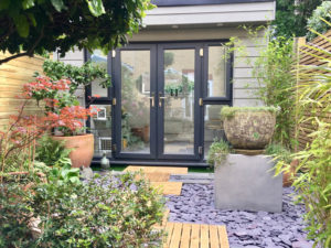 Garden studio for small terraced garden by Executive Garden Rooms