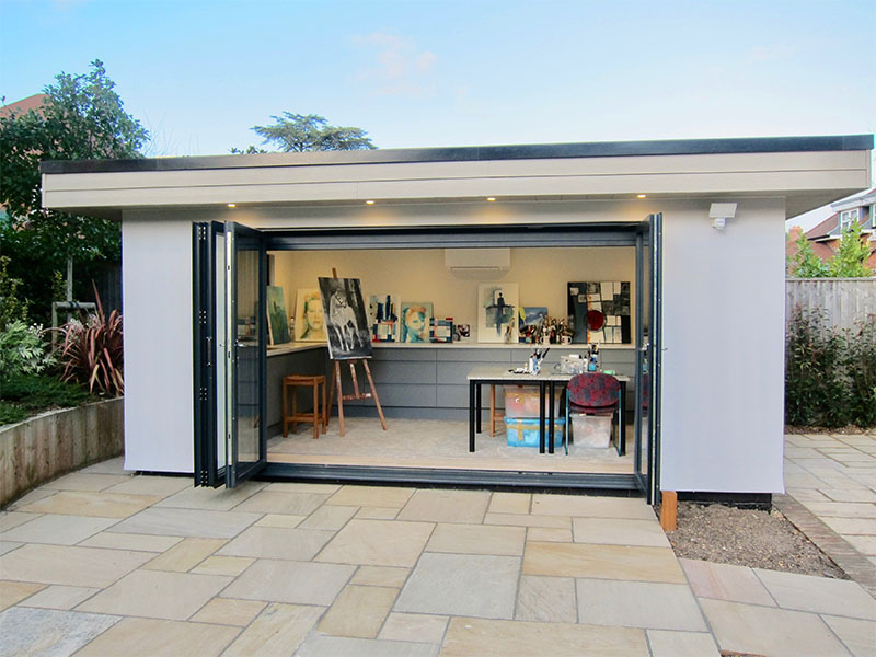 Garden artists studio with sink by Executive Garden Rooms