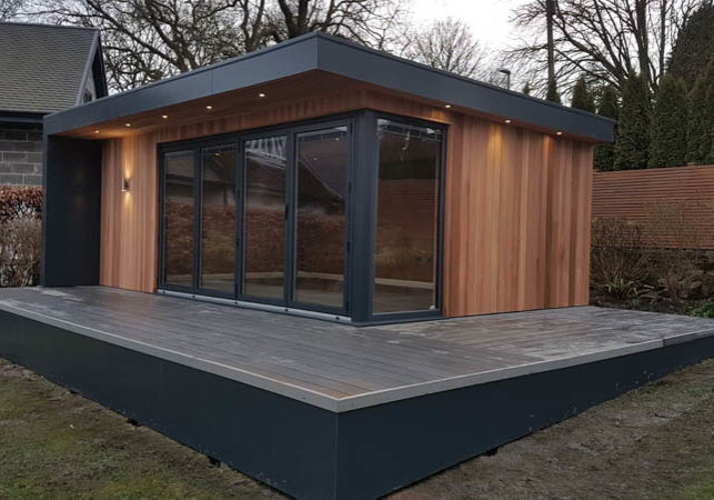 Garden room with 4m wide bi-fold doors by Bridge Garden Rooms