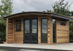 Garden room with curve appeal by Warwick Buildings