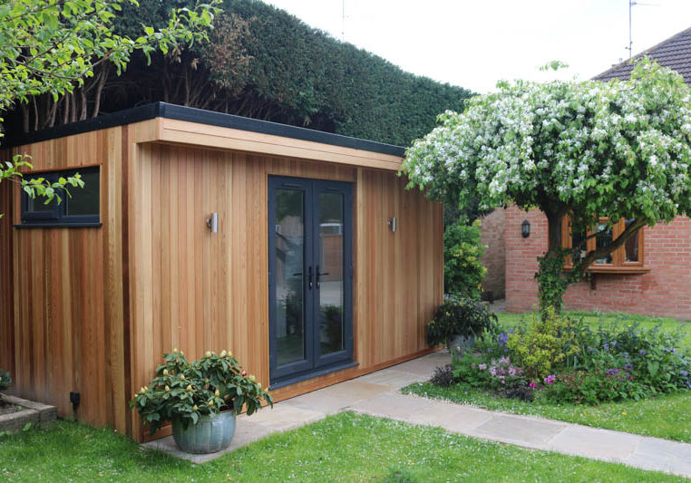 Narrow garden room with shower room